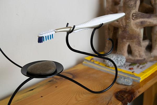 toothbrush-holder-(live-III).jpg