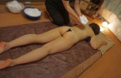 男性セラピストによる女性用オイルマッサージ 出張エステ オイルリンパエステ