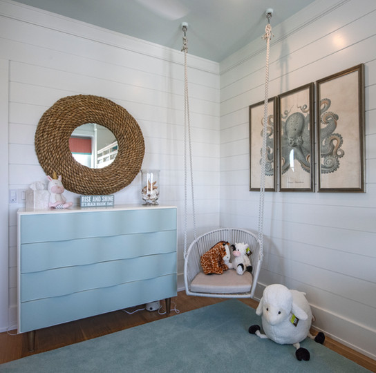 Wavy Pattern Dresser and Rope Mirror