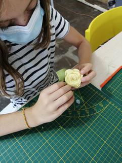 Atelier fleur en feutrine Patty Création Pau.jpg