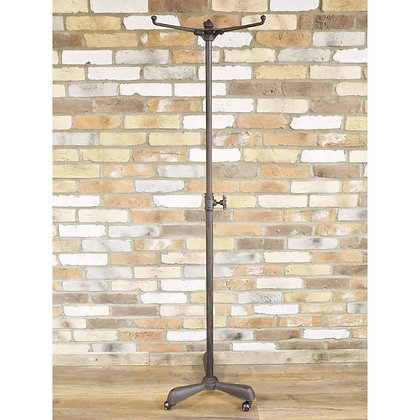 Industrial scaffolding pipe coat stand