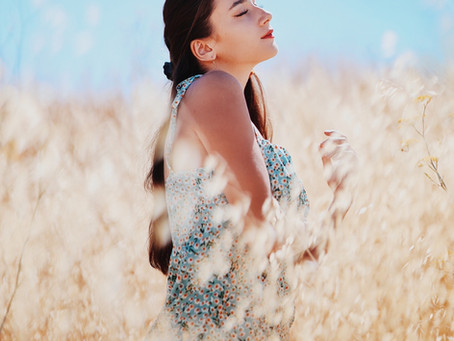 Tips and Tricks on Summer Style Portrait Locations and Color Palettes