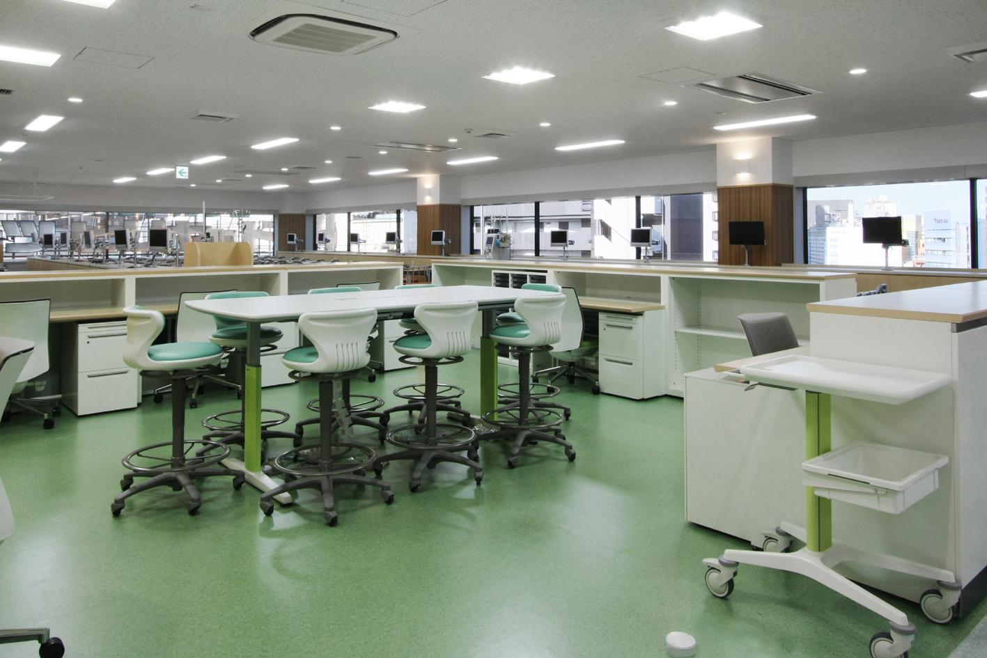 透析室ナースステーション