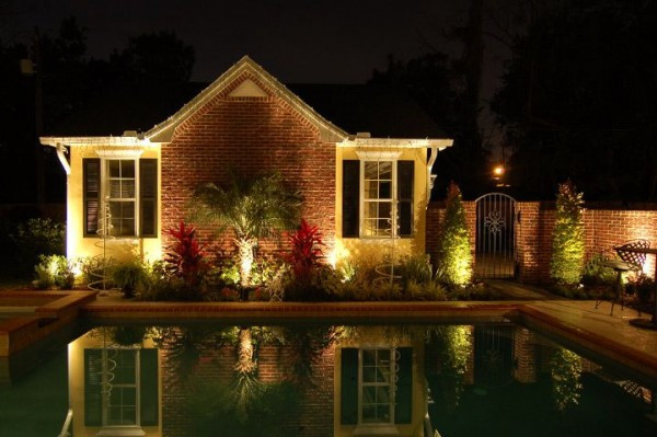 Seans_Landscape Lighting - 4.jpg