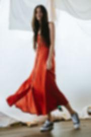 vestido roja y negra