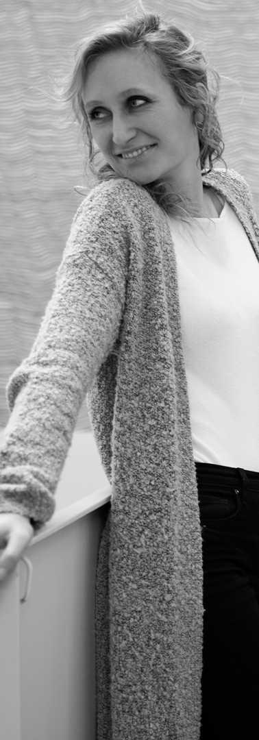Isabel_Goller_Harpist(56)by_Akvile-Sileikaite