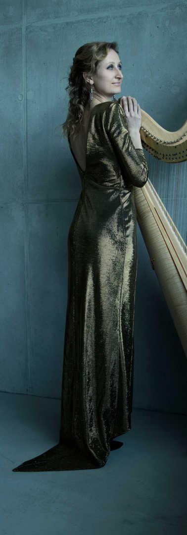 Isabel_Goller_Harpist(27)by_Akvile-Sileikaite