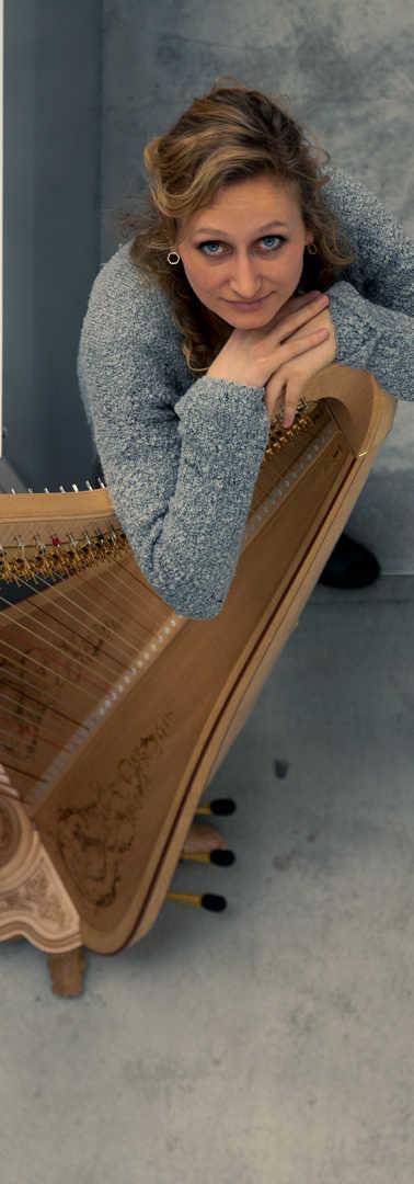 Isabel_Goller_Harpist(11)by_Akvile-Sileikaite.jpg