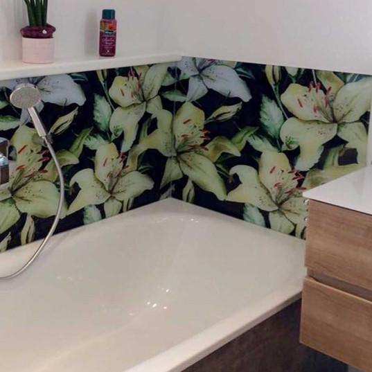 Designrückwand für Badewanne