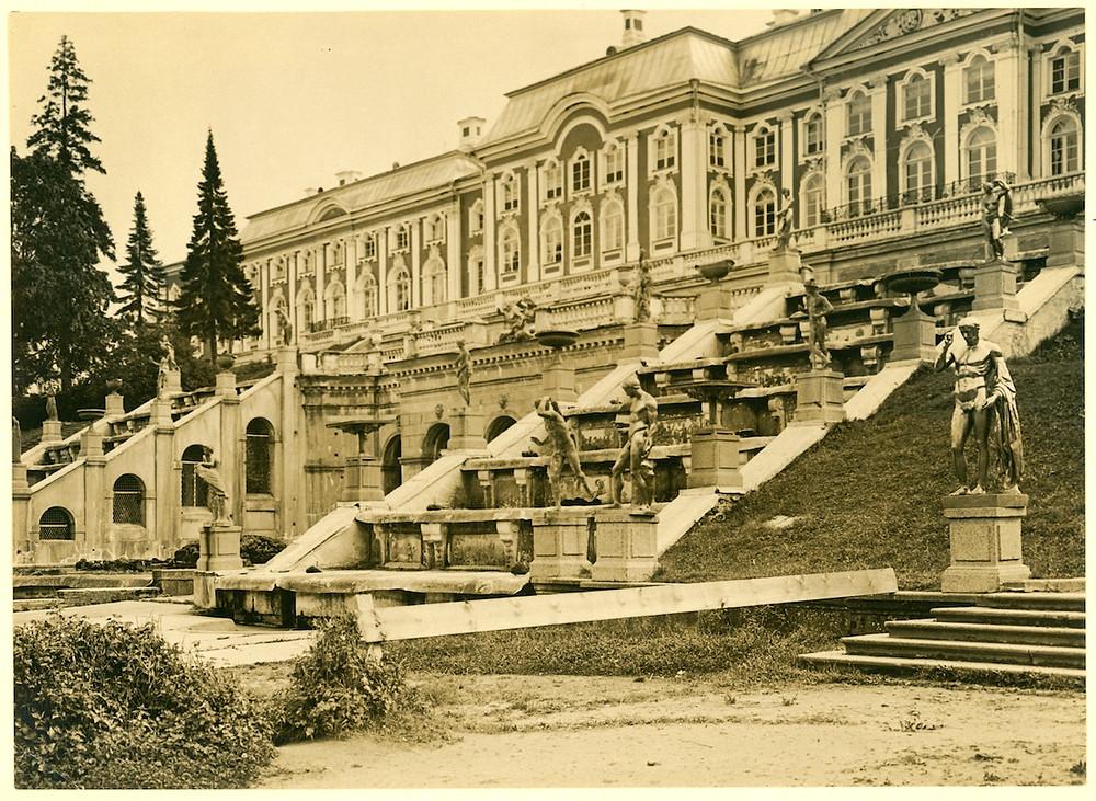Peterhof in Soviet times