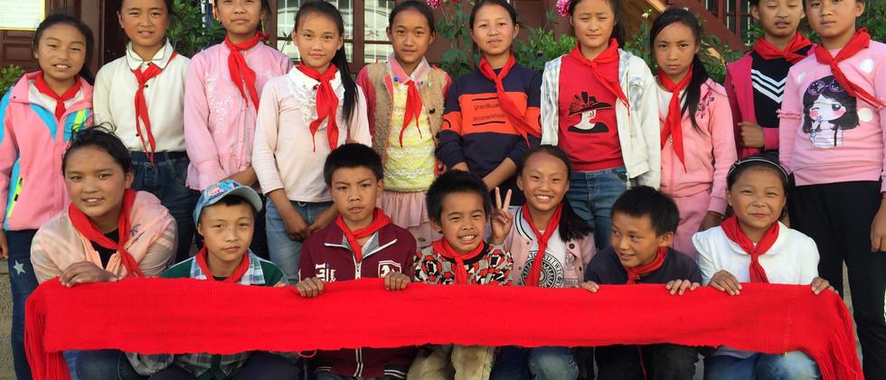 绿色生态文明学校 云南傈僳族腰带——孩子们自己的作品.jpg