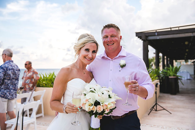 910cb39a3d5 Thank you so much Lara and Robert for allowing all of us at Mia Grace Bridal  help make your wedding a dream come true!