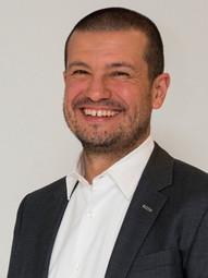 Dr. Roberto Alvarez