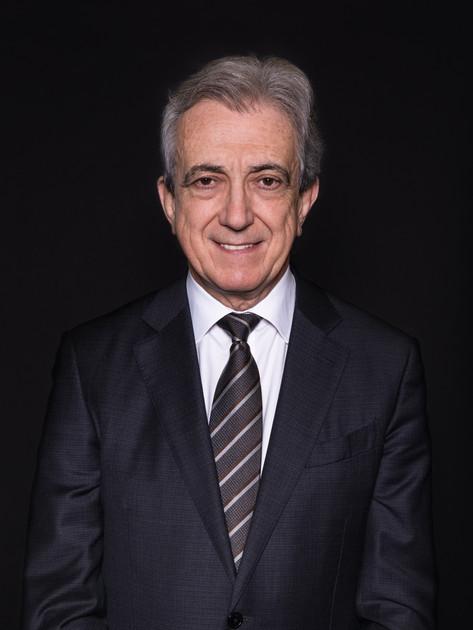 Dr. Miguel Athayde Marques