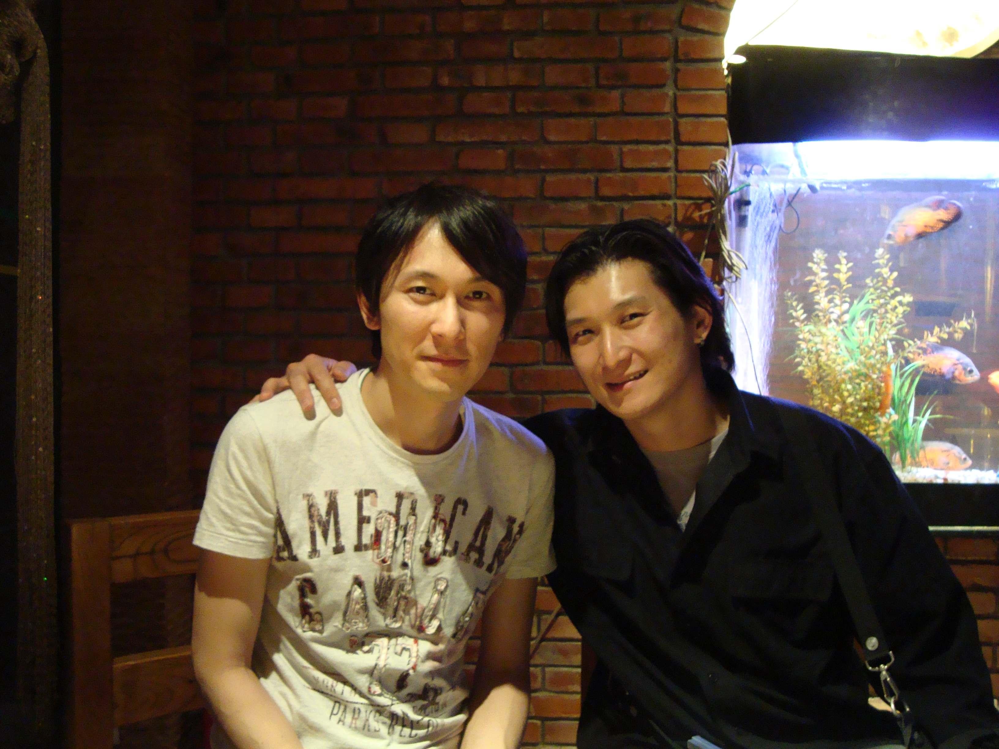 信樂團 Chris & Johnny