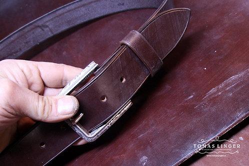 Opasek ručně vyrobený z Bridle Butt Australian Nut - J.E. Sedgwick Tannery