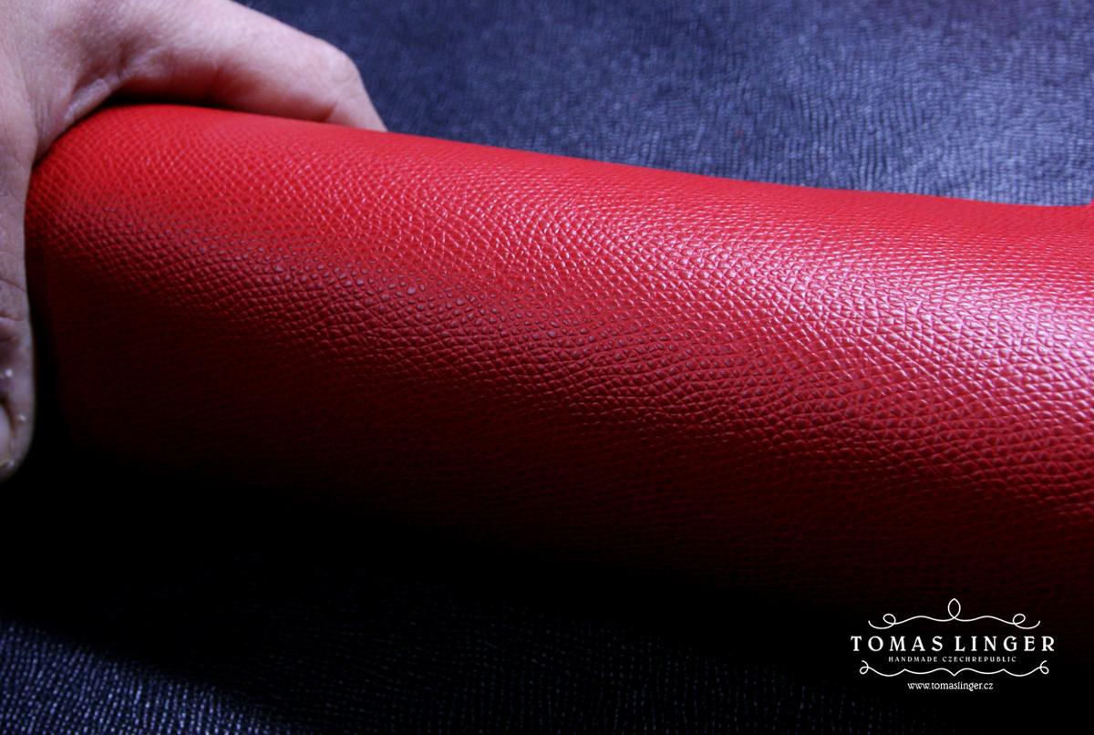 Prada červená kůže se vzorem