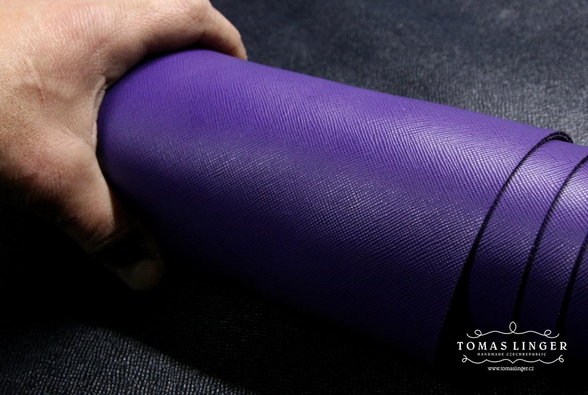 Saffiano fialová Gucci useň.