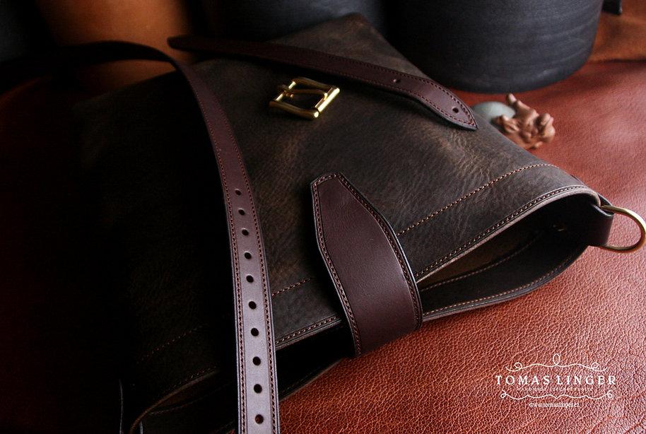 taska z kuze sita na zakazku rucne
