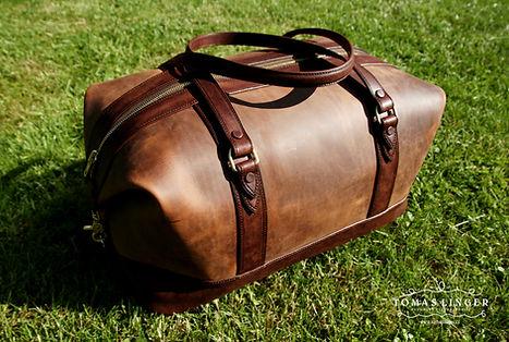 cestoní taška z pravé kůže. elegantní a luxusní ručněušitá.