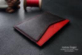 Velká tenká peněženka z červené kůže a červené šití
