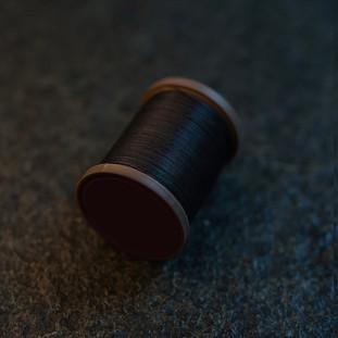 Royal Black - barva ručního šití na pouzdra pro telefon