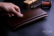 pouzdro pro telefon s klopou z kůže ručně ušité