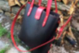 kabelka z kůže ručně vyrobená