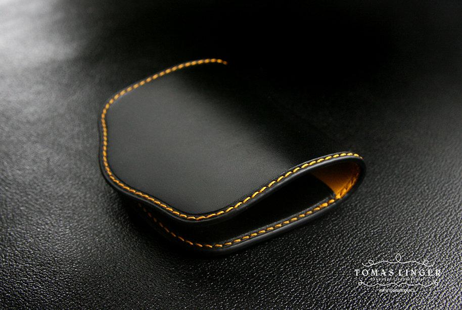 tenká peněženka na drobné mince z kůže