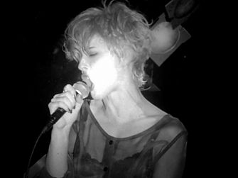 01-Luce-singing.jpg