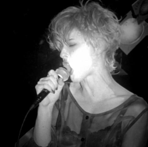 Luce singing