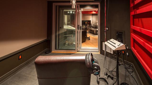 Studio B - Iso Booth