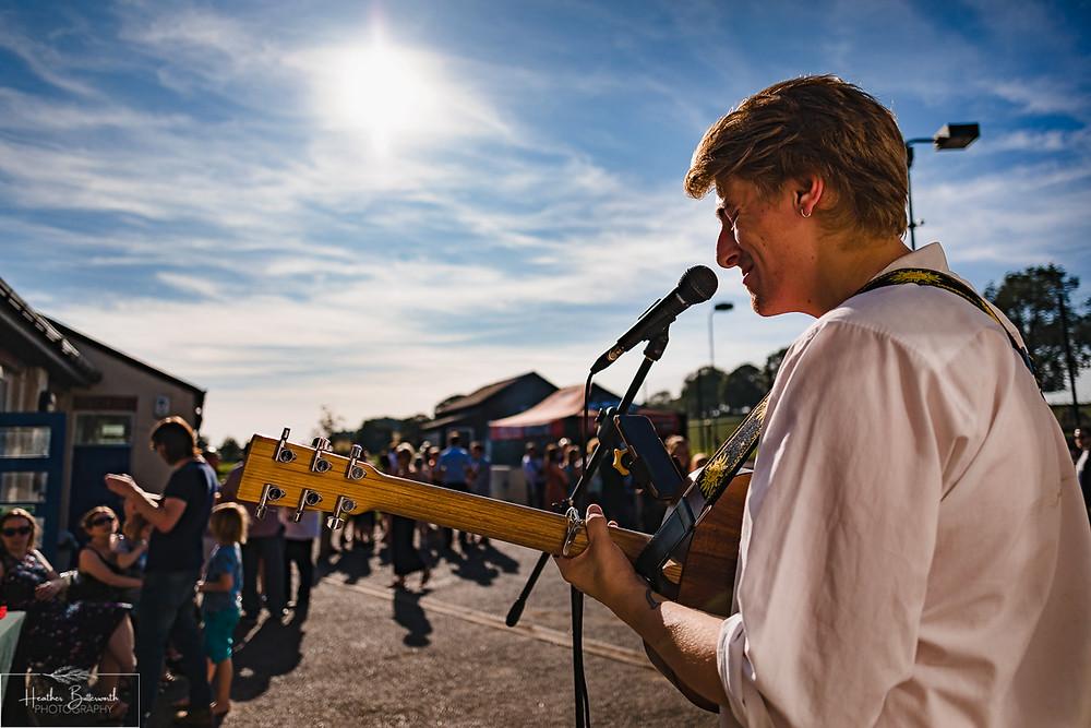 street musician leeds wedding photographer leeds yorkshire thorner victory hall