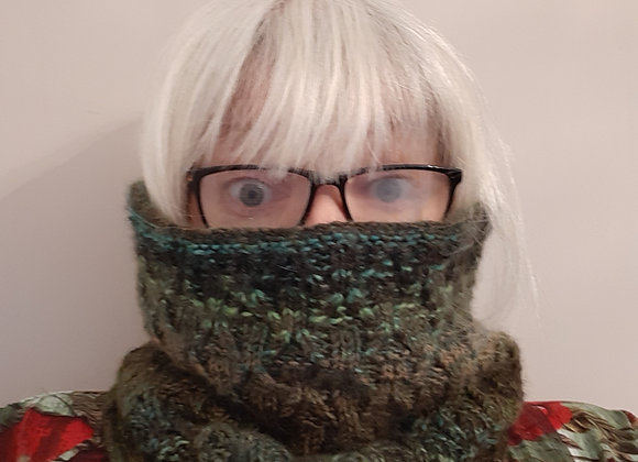 It's Nippy Out Cowl  Knitting Pattern