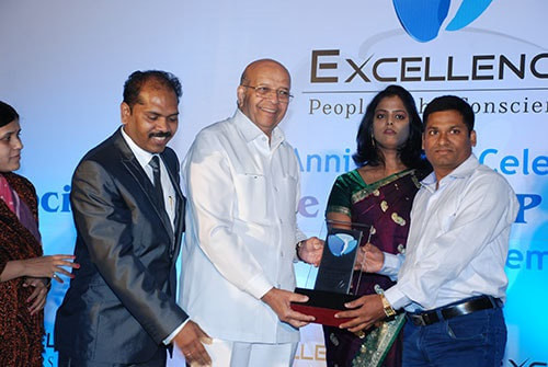 dhyas-award-2012-1-orig_orig.jpg