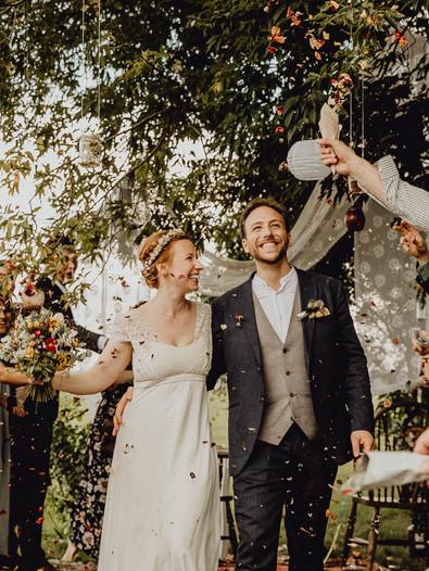 Boho Hochzeit, Boho Braut, Blütenwerfen