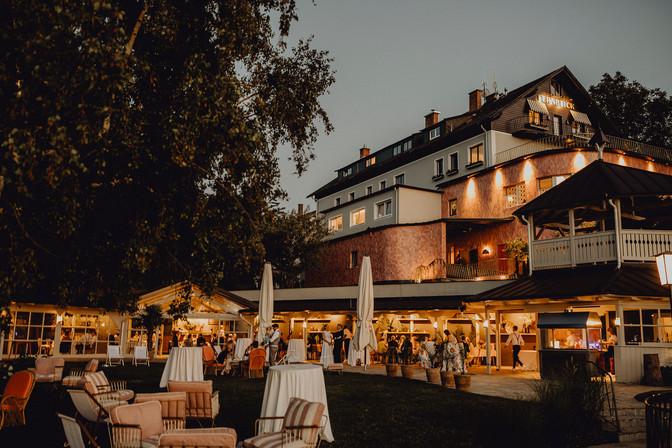 Eventfotografie Wien, Eventfotograf, Bloggerevent Fotograf, natürliche Eventfotos, Businessevents, Eventreportage, moderne Veranstaltungsfotografie, Eventfotografin Niederösterreich, Fernblick, Firmenfeier Fotos