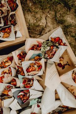 Blüten Tüten, nachhaltige Hochzeitsideen, Ivory Rose Photography