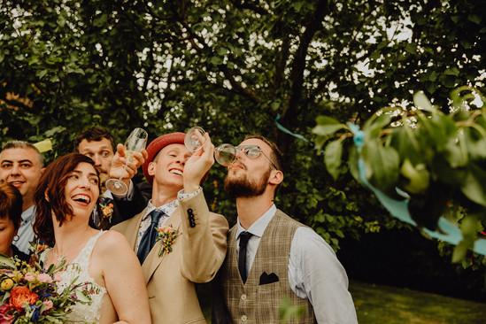 emotionales Hochzeitsfoto, Momentaufnahme Brautpaar,  Ivory Rose Photography