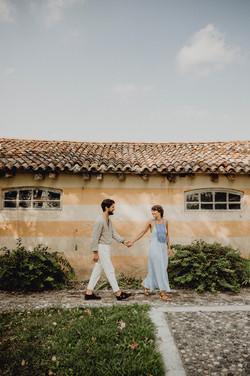 natürliches Paarfoto in Italien, bohemian coupleshooting