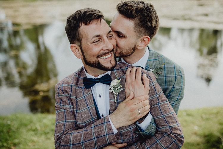 gleichgeschlechtliche ehe, vintage Braut, sae sex wedding, Paarshooting, Paarfotos, Hochzeitsfotografie Wien, loveauthentic