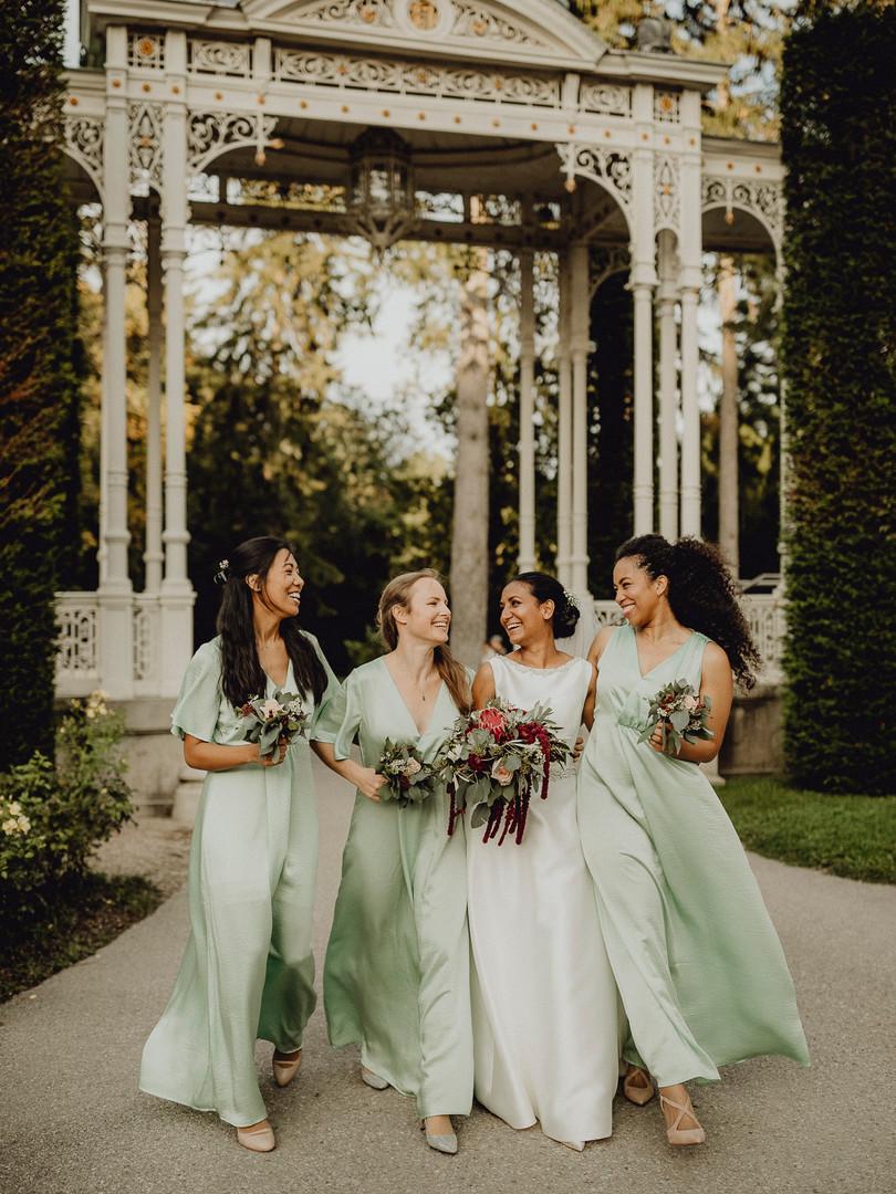 Brautjungfern, Vintage Hochzeit, Boho Brautstrauß, türkise Brautjungfernkleider, Hermesvilla Wien Hochzeit