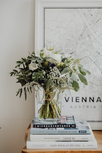 Brautstrauß, weiß grüner Brautstrauß, bridal bouquet, vintage bridal bouquet, boho bridal bouquet, vintage brautstrauß, getting ready braut, Hochzeitsfotografie Wien, wedding photography vienna