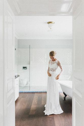 Getting Ready Braut, Hochzeit Villa Antoinette, Hochzeit am Wechsel, Brautkleid, Haute Couture Brautkleid, Elisa Malec Brautkleid