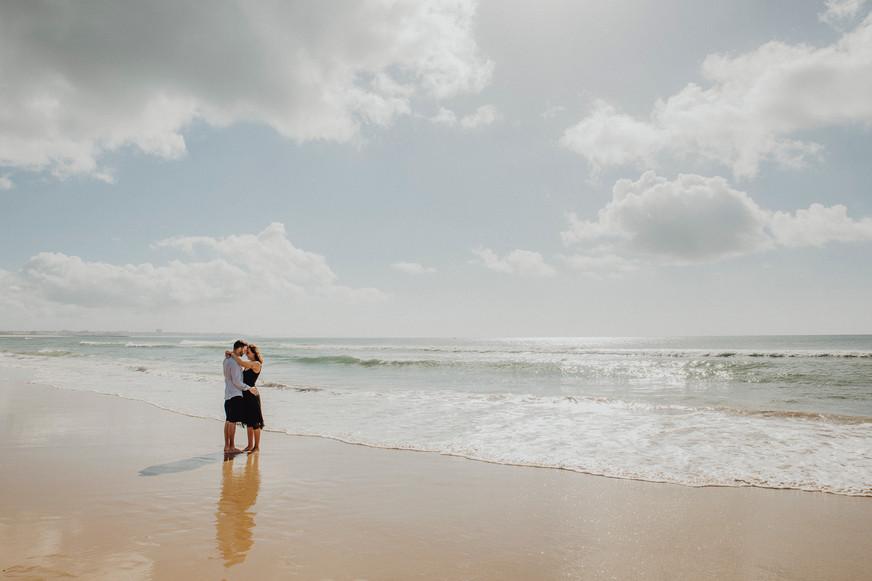 Destination Wedding, Engagementshooting am Meer, Mallorca, Paarfotos am Strand, Ivory Rose Photography