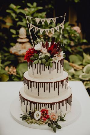 boho hochzeitstorte, seminakedcake, torte mit schokoldanedrip,  Ivory Rose Photography
