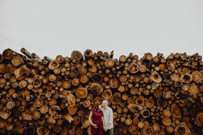 Babybauchshootinng, Niederösterreich vor Holz