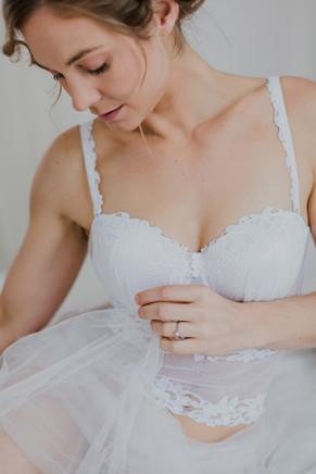 brautportrait, boudoirshooting, braut, sinnliche braut, unterwäsche fotos, boudoir fotos wien, brautwäsche, lingerie fotoshooting, flossman brautmoden