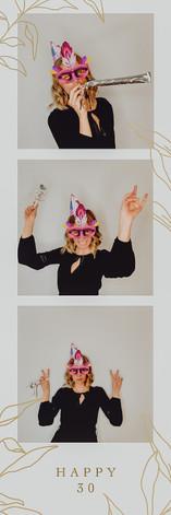 Fotobox Wien, Fotobox mieten Wien, Niederösterreich und Burgenland, Designfotobox aus Hoz, Fotobox mit Stil, Fotobox mit Giffunktion, Gif Eve Fotobox, Fotostreifen, Fotobox mit Druck, Fotobox Firmenevent, weihnachtsfeier Fotobox mieten, Photobooth anmieten, Design Photobooth, Photobooth mit Gifs, Photobooth Hochzeit