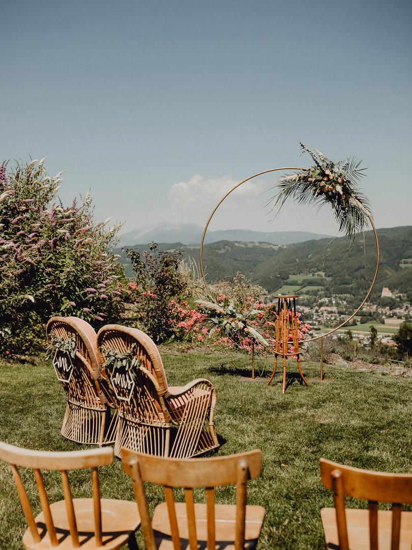 Fernblick Hochzeit, Vintage Hochzeit, Trauungsbogen, Ivory Rose Photography